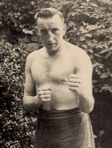 Allan Cooke (Warsop) North Midlands Area light-heavyweight champion 1950